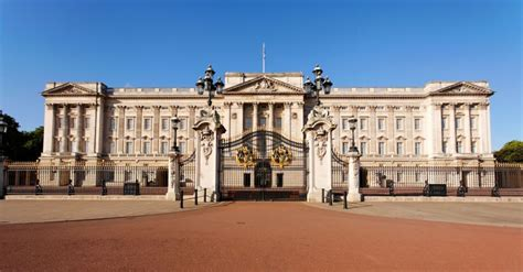 buckingham palace downton special at buckingham palace takes on for day tv daily