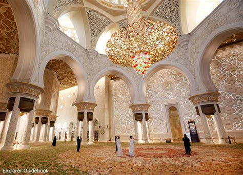 masjid  megah indah  terkenal  abu