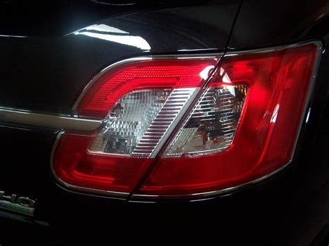 2010 ford taurus aftermarket tail lights 2010 ford taurus chrome trim around tail lights peeling