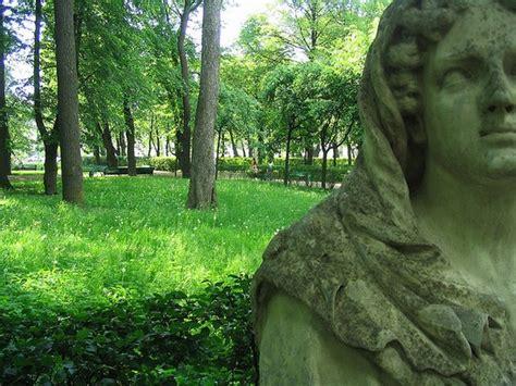 giardino d estate giardino d estate parchi e giardini a san pietroburgo