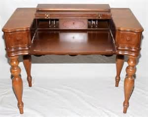 hekman desk 100384 hekman furniture co spinet desk h 33 quot l 40