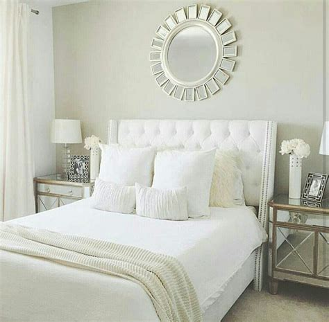 Set Sprei Warna Polos sprei dan bedcover berwarna putih
