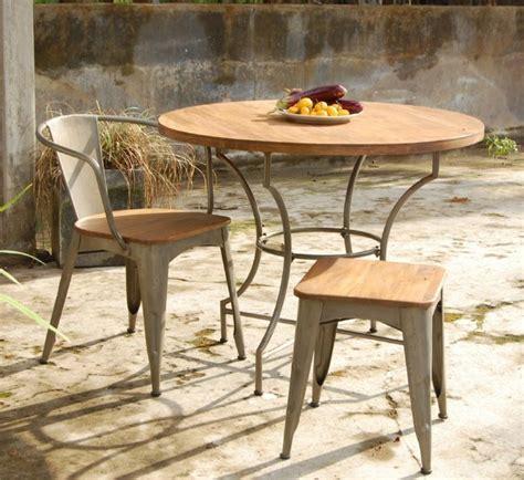 table ronde bois jardin table ronde de jardin ekipia