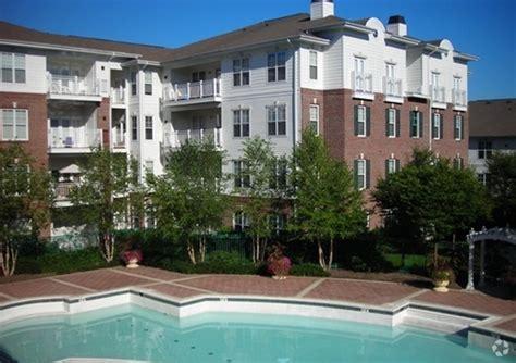 10 light apartment baltimore 10 light rentals baltimore md apartments com