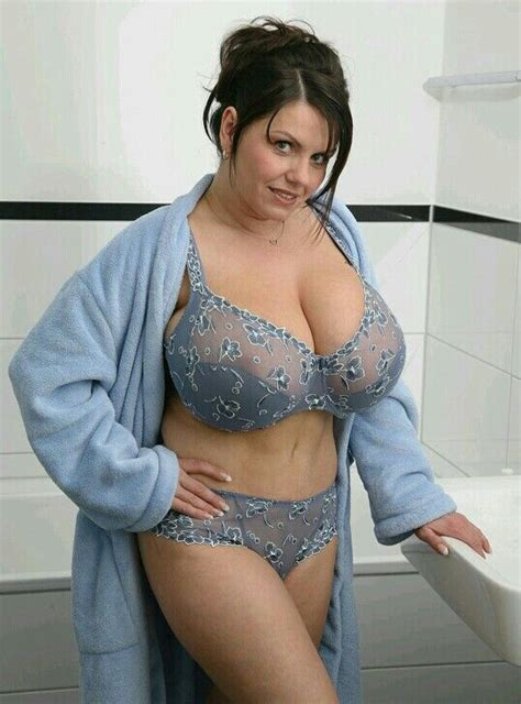 full figure milf pics tiny mom with big tits gets tight pin by arnett cooper on curves pinterest curvy curves
