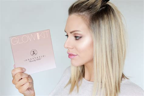 Anastacia Gets On by Beverly Glow Kits That Glow And Gleam
