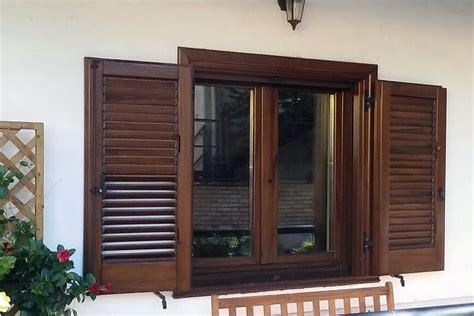 finestra con persiana falegnameria f lli casali