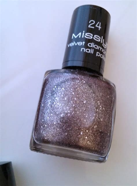 Misslyn Nail 377 Fabulous 1 misslyn the show must go on tips style and fashion trends