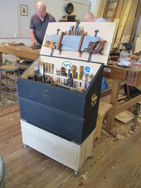 popular woodworking the caign tool chest popular woodworking magazine