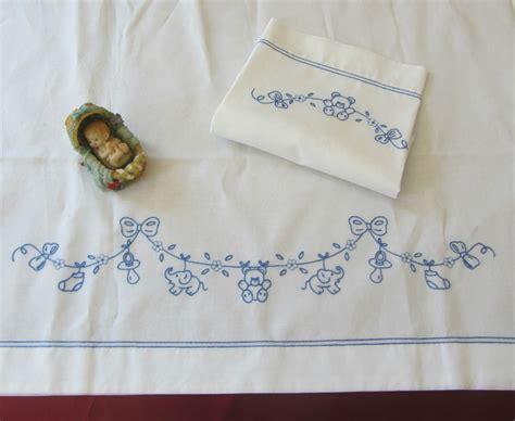 ricami per lenzuolini culla facili disegni per ricamo lenzuolini neonati cerca con