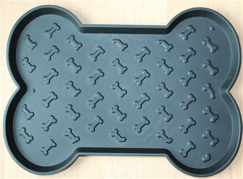 Spill Proof Car Floor Mats by The Simply Southern 2014 Pet Products Gift Guide