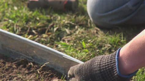 Gardener S Supply Company Lawn Edging Garden Borders Made Easy Formboss Metal Garden Edging