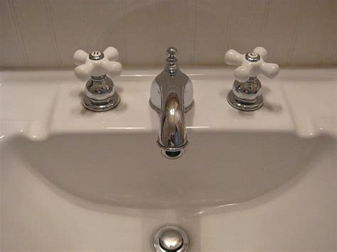 old style bathtub faucets vintage style bathroom fixtures old style bathroom faucets old bathroom sink faucet types