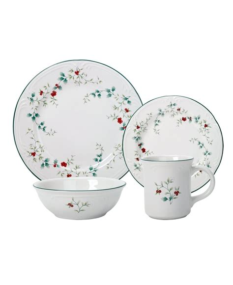 Winterberry Dinner Set 119 best pfaltzgraff images on dinnerware dinnerware sets and dish sets