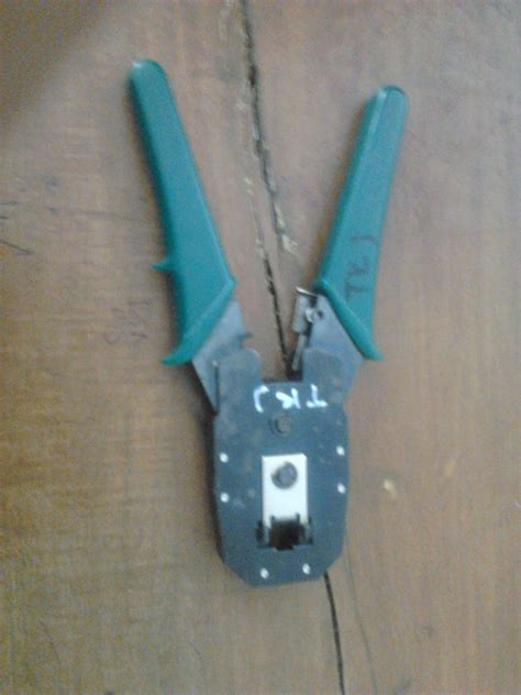 membuat jaringan lan dengan kabel utp cara membuat kabel utp dengan konektor rj 45