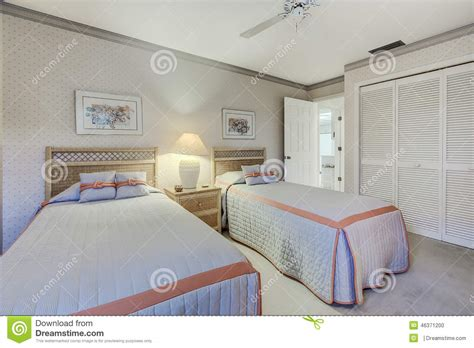private sunny bedroom with two beds houses for rent in florida private home guest bedroom with two twin beds