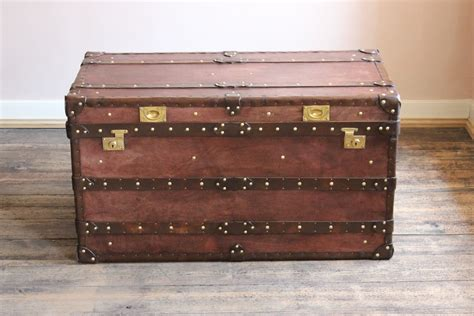Bespoke Steamer Trunk Coffee Table In Leather Leather Leather Steamer Trunk Coffee Table