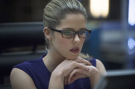 bett 2 in 1 emily bett rickards images arrow 2 20 promotional pictures