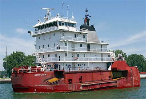 biggest tugboat in the world presque isle tug the largest tug barge composite in the