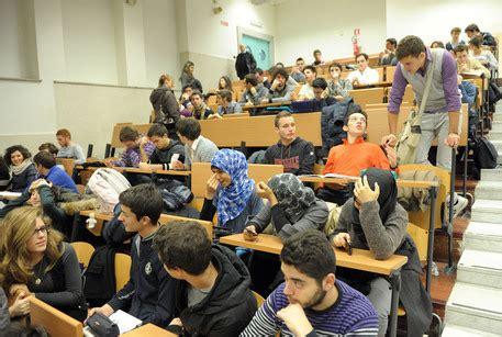 ufficio scolastico udine islam preside friuli ritira circolare cronaca ansa it