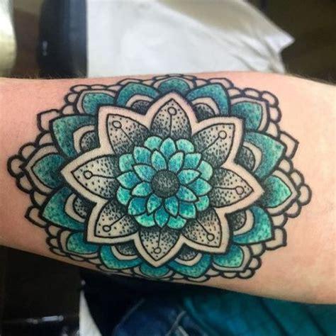 tattoo mandala colorida 74 ideias de tatuagem mandala incr 237 veis significados