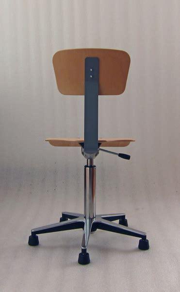 Stuhl Schule by Stuhl Schule Tisch Und Stuhl Gezeichnet