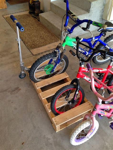 Diy Bike Rack For Garage by 25 Unique Pallet Bike Racks Ideas On Diy Bike