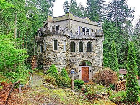 small houses that look like castles frontdoor com homes that strike my fancy pinterest
