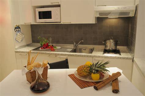 residence le terrazze alassio prezzi angoli cottura funzionli e accessoriati foto di