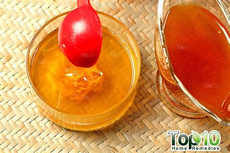 Steps For A Home Made Lip Balm by Diy Lip Balm Top 10 Home Remedies
