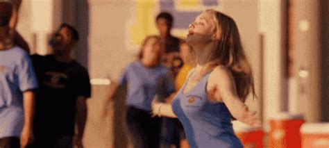 'Mean Girls' GIFS: Fashion Lessons From Our Favorite Teen Movie (GIFS)   HuffPost