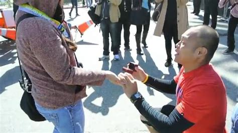 robbins brothers customer proposes to committed woodland runner proposes marriage at la