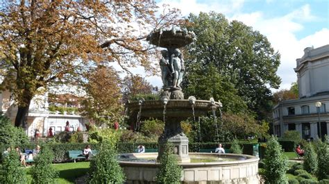 Fontaine De Jardin En 3722 by La Fontaine Du Cirque