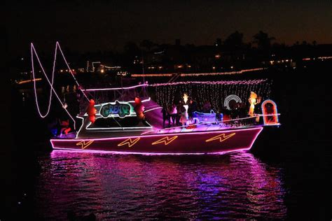 where to find a holiday boat parade in southern california - Boat Lights Huntington Beach