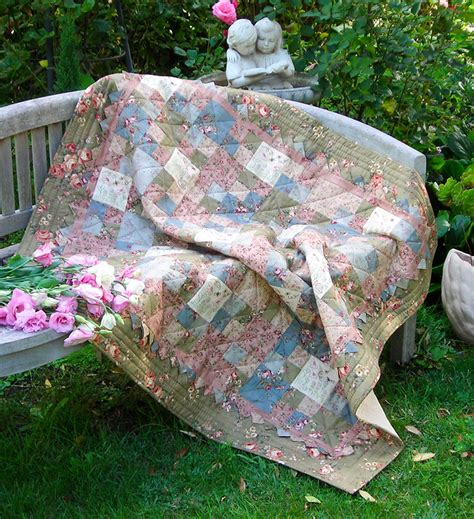 Sewing A Patchwork Quilt - quilting sewing quilt pattern small treasures sally giblin