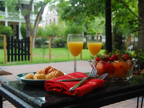 The Patio Brunch by Charleston Sightseeing