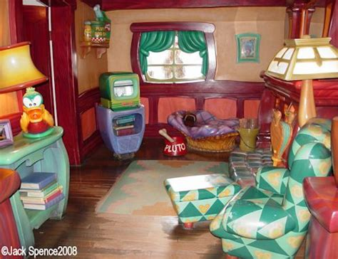 toontown house disneyland toontown mickey s house all about disney pinterest to be its you and love you