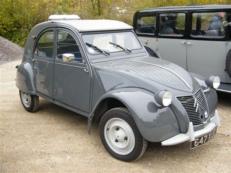citroen 2cv 1957 citroen 2cv images pictures and videos