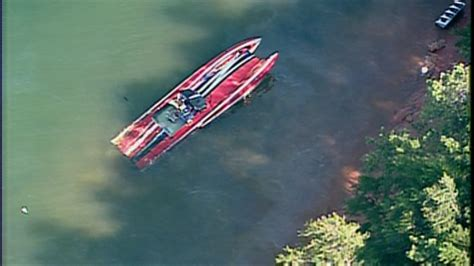 tow boat lake george llc four victims found after speedboat overturns on lake