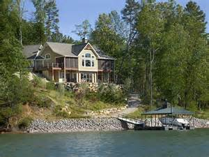 lake keowee homes for lake keowee vs hartwell lake south carolina real estate