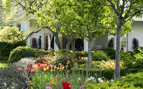 white house garden tour how to take a tour of the white house gardens this fall travel leisure