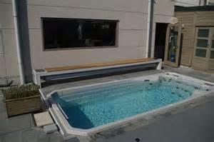 volet mobile banc en bois solaire install 233 sur spa de nage