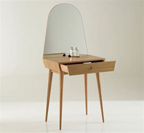 25 best ideas about small dressing table on