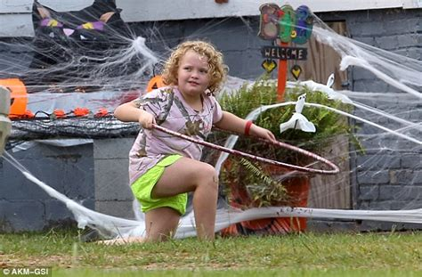 Here Comes The Barefoot by Here Comes Honey Boo Boo The Family Decorate Their Home