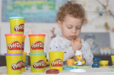 giochi da fare in casa con bambini play doh giochi da fare in casa per i bambini con l