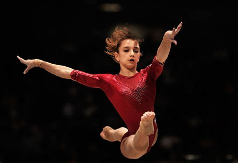 gymnastics vic viktoria komova full twist