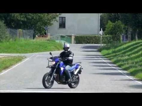 moto technique inclinaison demi tour