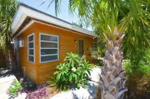 Small Homes For Sale On Island A Tropical Tiny House In Florida S Cedar Key
