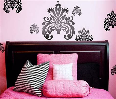damask bedroom ideas luxury damask wallpaper design for your bedroom decorating