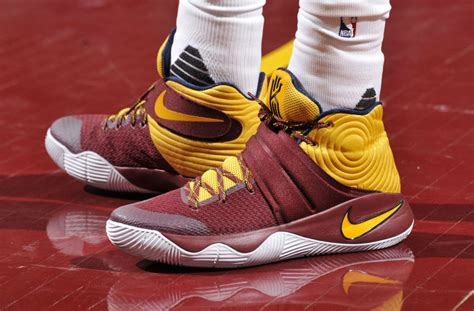 Kyrie Irving 2 solewatch kyrie irving s nike kyrie 2 pe sole